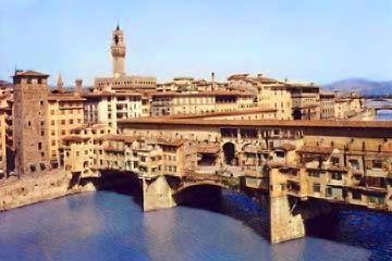 Florence, vue aérienne sur le Ponte Vecchio